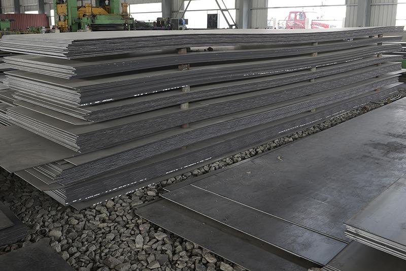 钢板销售厂家的低性能耐磨钢板和高性能耐磨钢板技术